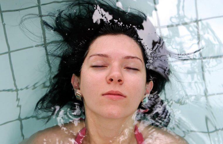 Zabiegi pielęgnacyjne na twarz idealne na lato